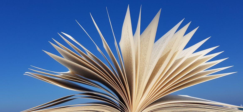 book-3720292_1920-1