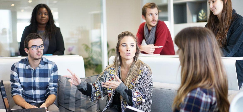 Kodėl užsienio kalbų mokymasis naudingas įmonėms?   Skrivanek